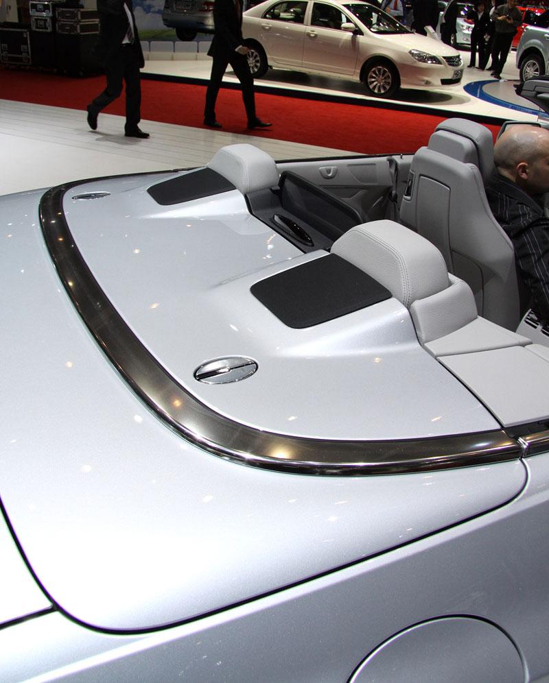Ženeva 2010 živě: Mercedes-Benz E Cabriolet: - fotka 18