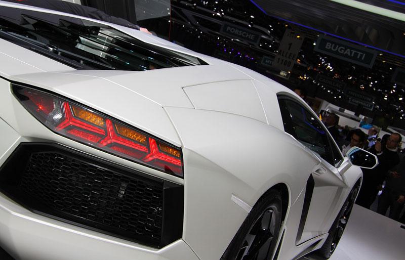 Ženeva 2011 živě: Lamborghini Aventador LP700-4: - fotka 58