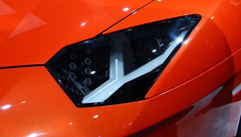 Ženeva 2011 živě: Lamborghini Aventador LP700-4: - fotka 62