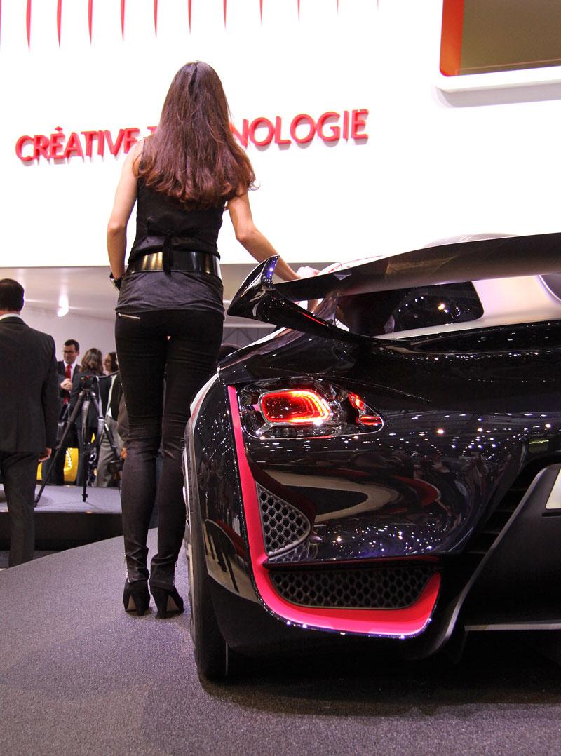 Ženeva 2010: Citroën Survolt – stylový i agresivní (nové foto): - fotka 14