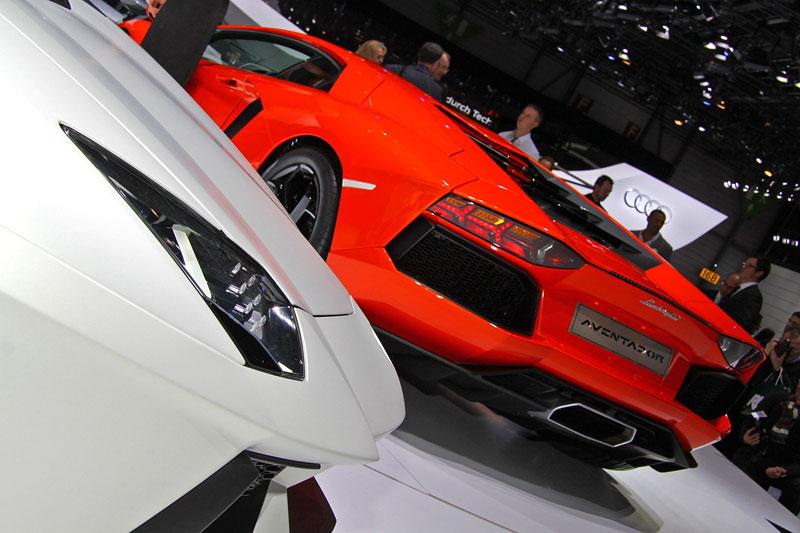 Ženeva 2011 živě: Lamborghini Aventador LP700-4: - fotka 67