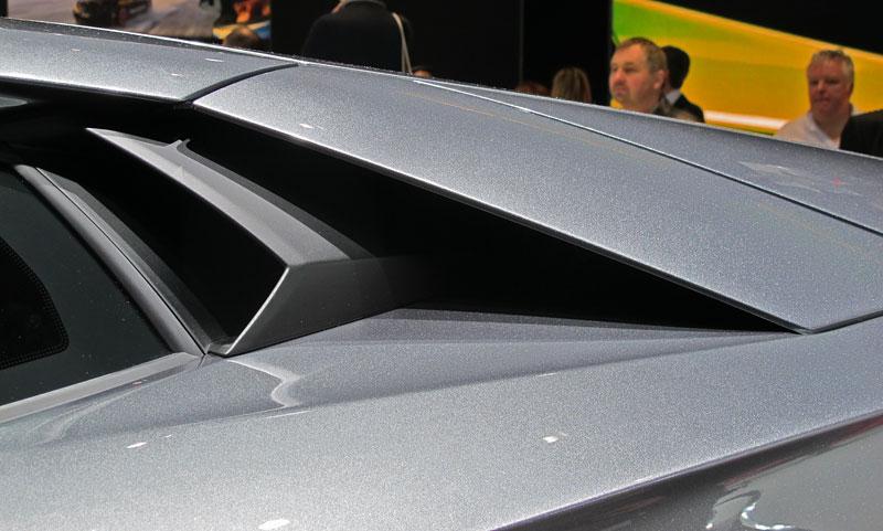 Ženeva 2011 živě: Lamborghini Aventador LP700-4: - fotka 71