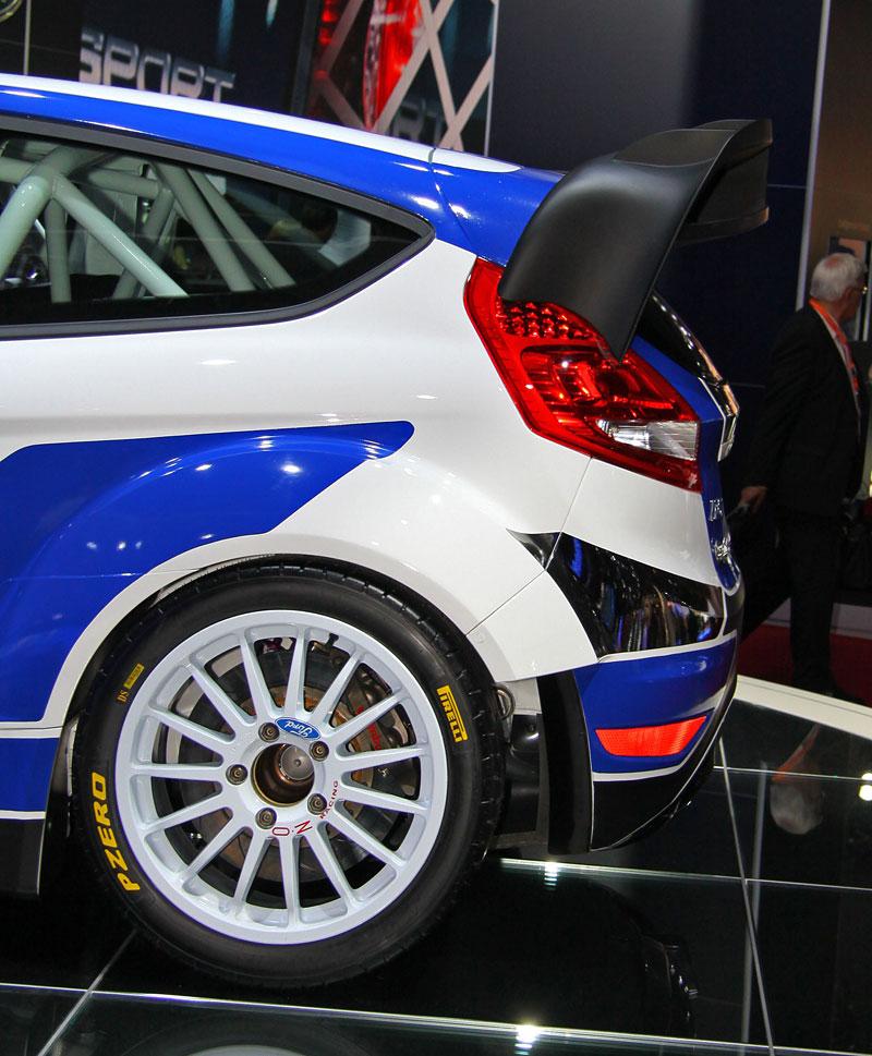 Paříž 2010: Ford Fiesta RS WRC – je pomalu čas udělat focusu pápá: - fotka 9