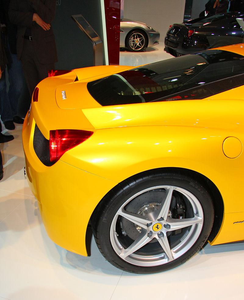 Frankfurt 2009 živě: Ferrari 458 Italia – první dojmy: - fotka 23