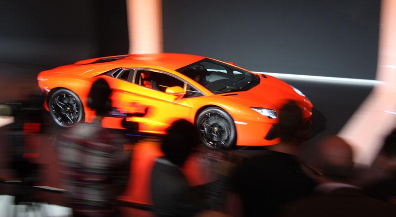 Ženeva 2011 živě: Lamborghini Aventador LP700-4: - fotka 80
