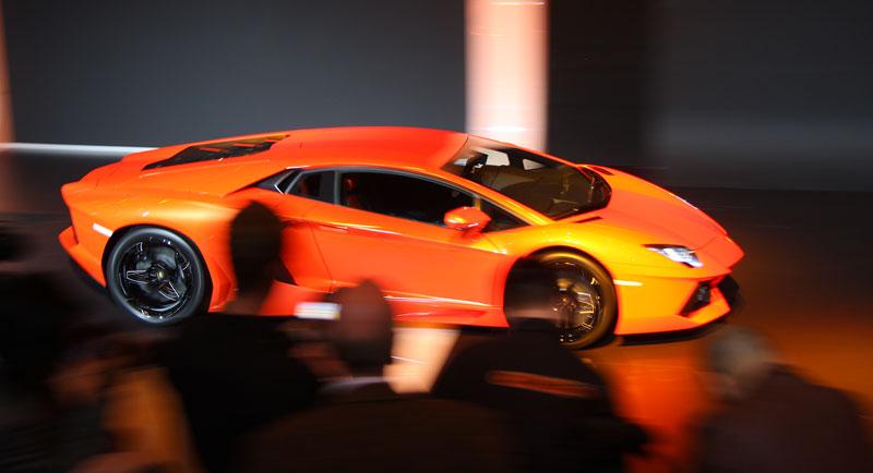 Ženeva 2011 živě: Lamborghini Aventador LP700-4: - fotka 81
