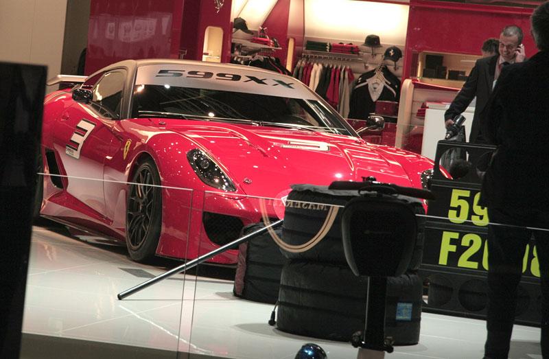 Ferrari 599XX: Massa za volantem (+video): - fotka 29