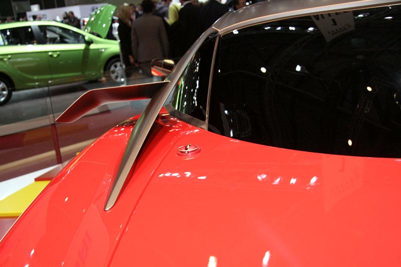 Ferrari 599XX: Massa za volantem (+video): - fotka 31