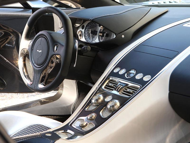 Aston Martin One-77: Desítka vozů poputuje na Střední východ: - fotka 2