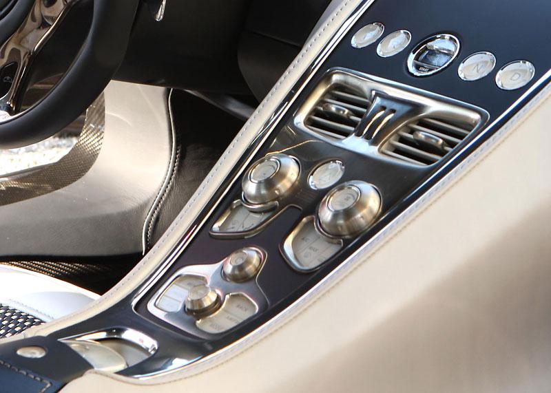 Aston Martin One-77: Desítka vozů poputuje na Střední východ: - fotka 4