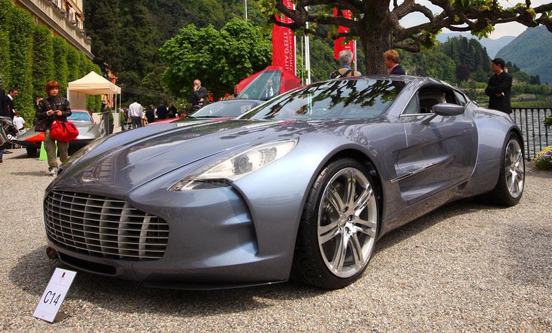 Aston Martin One-77 na výstavě ve Villa d'Este - nové fotografie: - fotka 7