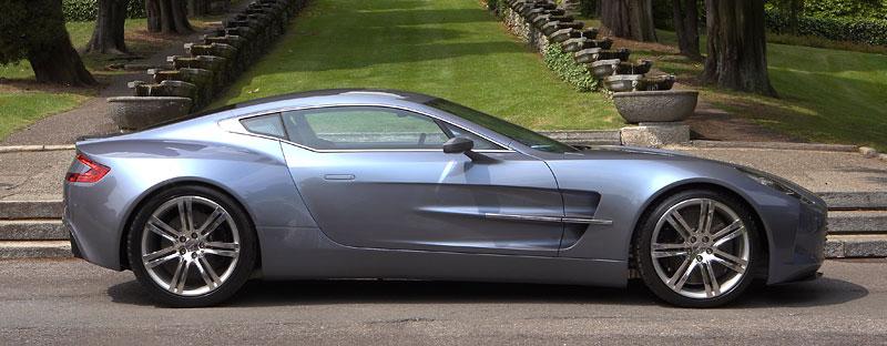 Aston Martin One-77: Desítka vozů poputuje na Střední východ: - fotka 9