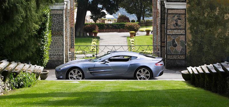 Aston Martin One-77 na výstavě ve Villa d'Este - nové fotografie: - fotka 13