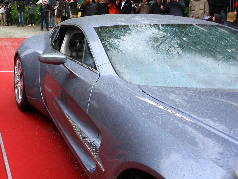 Aston Martin One-77: Desítka vozů poputuje na Střední východ: - fotka 16