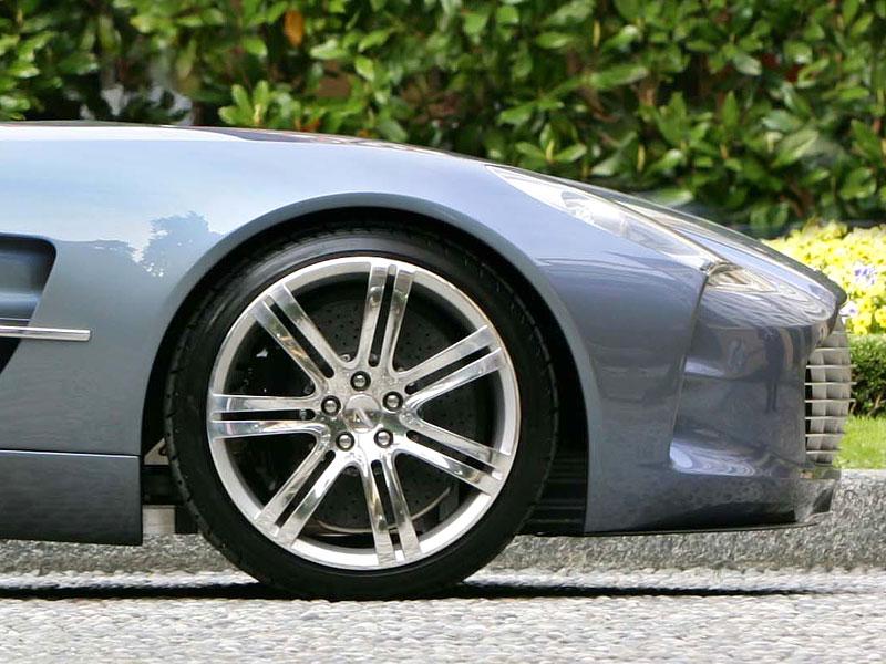 Aston Martin One-77 na výstavě ve Villa d'Este - nové fotografie: - fotka 18