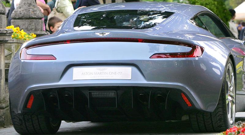 Aston Martin One-77: Desítka vozů poputuje na Střední východ: - fotka 20
