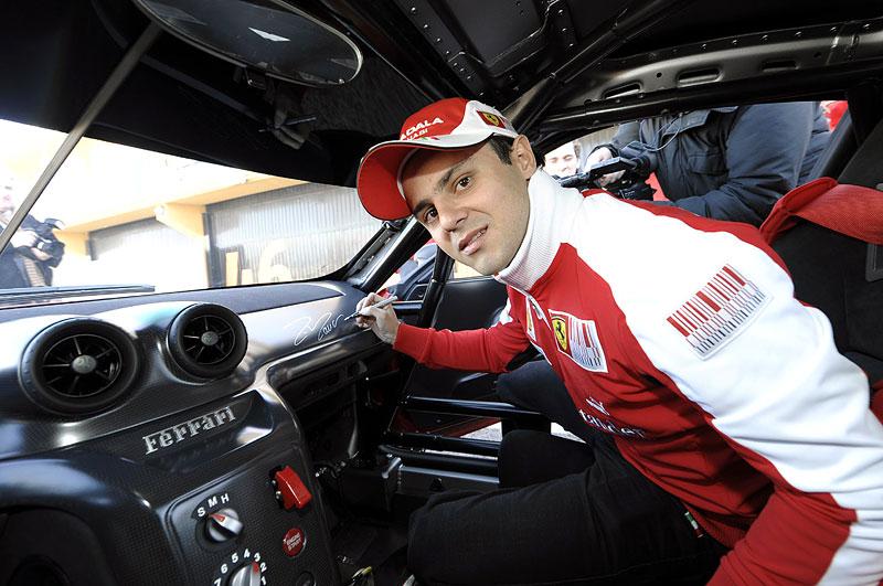 Ferrari 599XX: Massa za volantem (+video): - fotka 1
