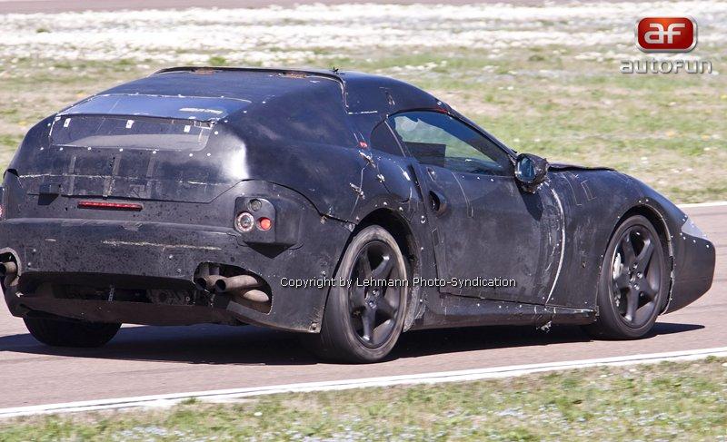 Motor z Alfy Romeo pro nejmenší Ferrari: - fotka 8