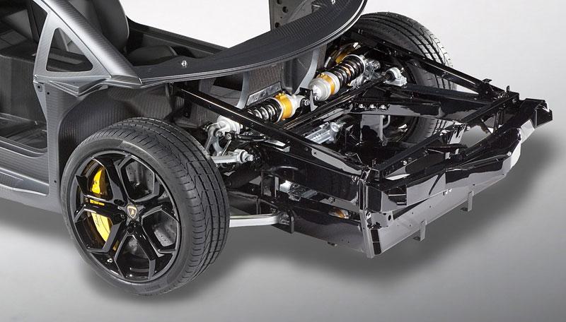 Lamborghini Aventador: unikla první fotografie!: - fotka 6