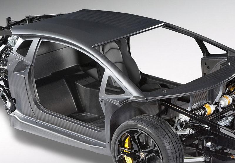Lamborghini Aventador: unikla první fotografie!: - fotka 7