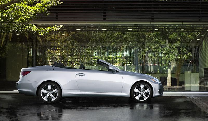 Lexus IS 250C je tu: bez střechy za 1,289 milionu: - fotka 15