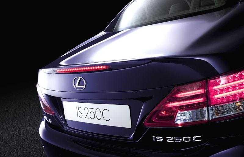 Lexus IS 250C je tu: bez střechy za 1,289 milionu: - fotka 19