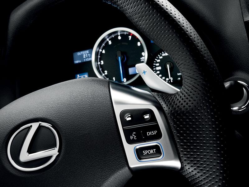 Lexus IS F-Sport (a ti druzí): další decentní facelift: - fotka 3