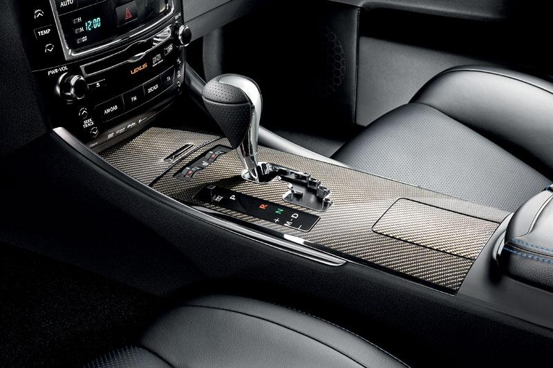 Lexus IS F-Sport (a ti druzí): další decentní facelift: - fotka 5