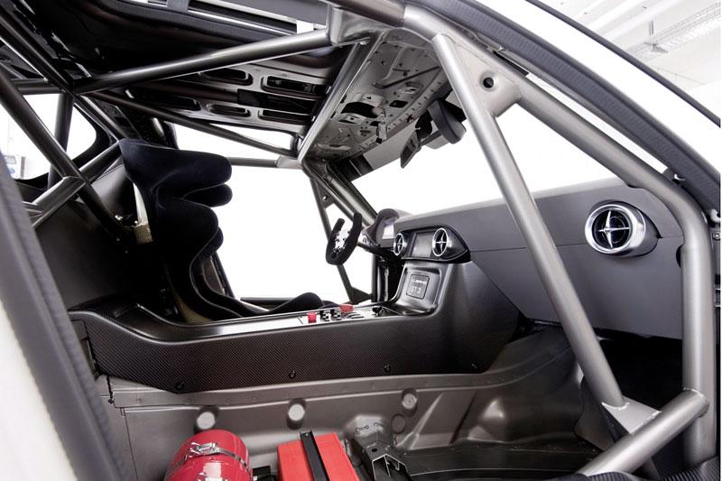 Mercedes-Benz SLS AMG GT3: speciál už zná svou cenu: - fotka 3