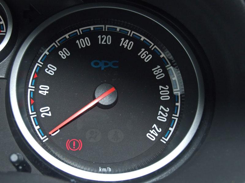 Za volantem: Opel Corsa OPC 2012: - fotka 2
