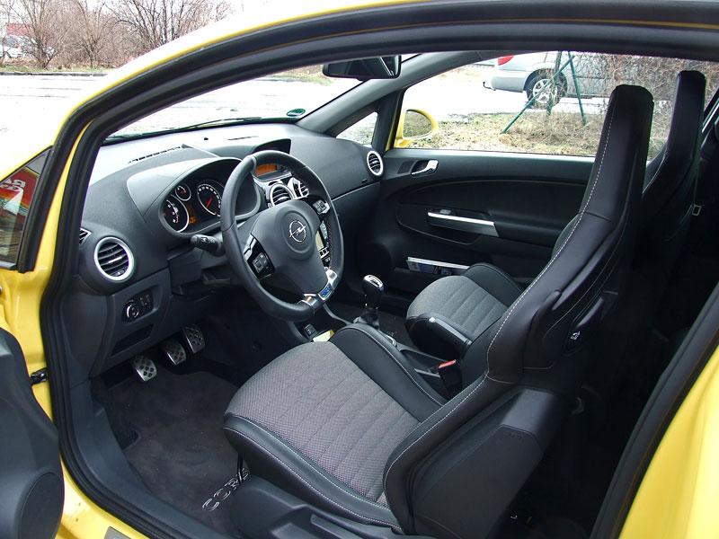 Za volantem: Opel Corsa OPC 2012: - fotka 3