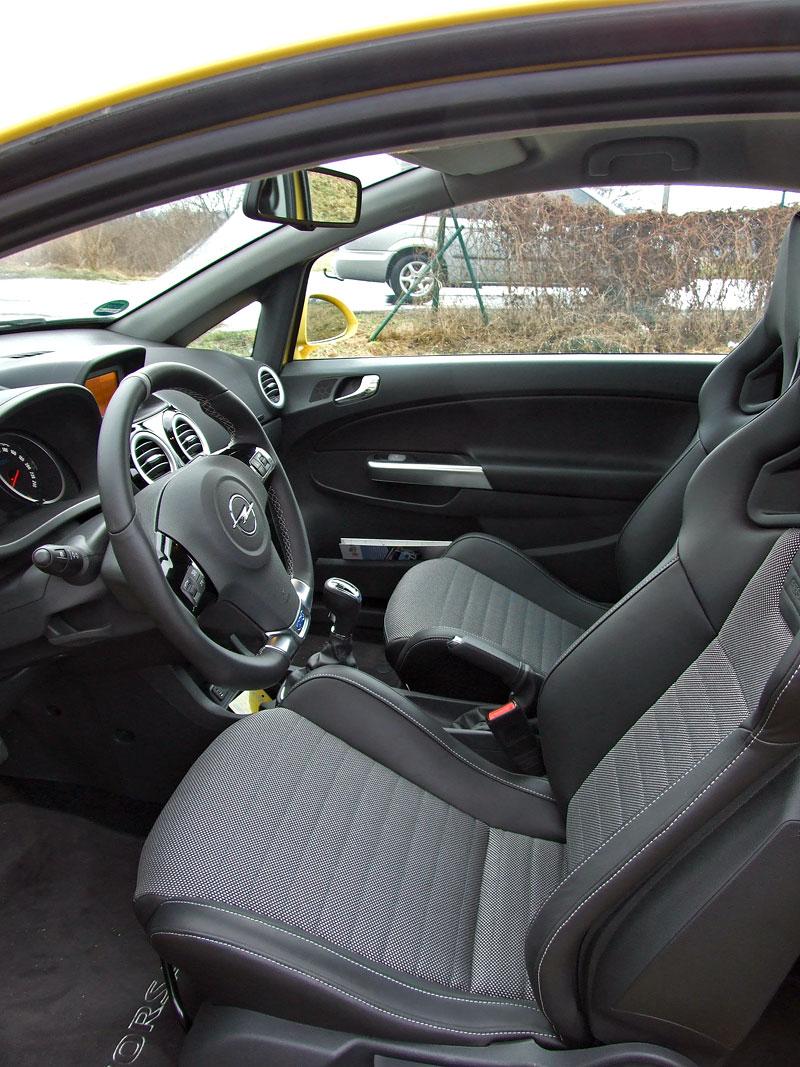 Za volantem: Opel Corsa OPC 2012: - fotka 4