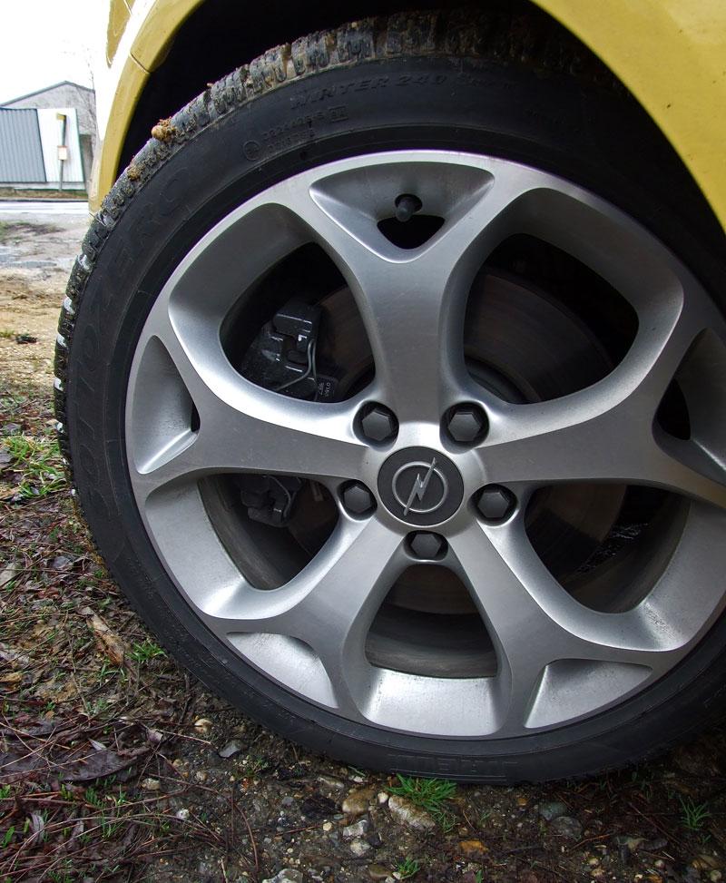 Za volantem: Opel Corsa OPC 2012: - fotka 21
