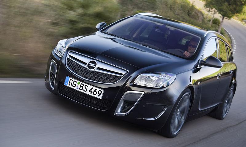 Opel Insignia Sports Tourer OPC: další upalující stěhovák: - fotka 2
