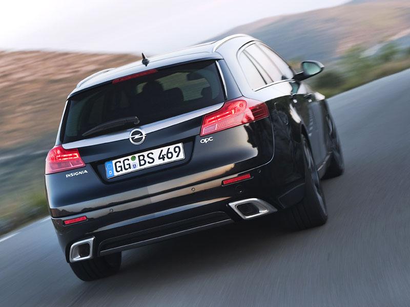 Opel Insignia Sports Tourer OPC: další upalující stěhovák: - fotka 5