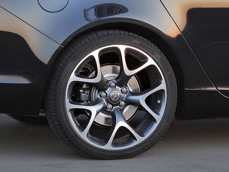 Opel Insignia Sports Tourer OPC: další upalující stěhovák: - fotka 7