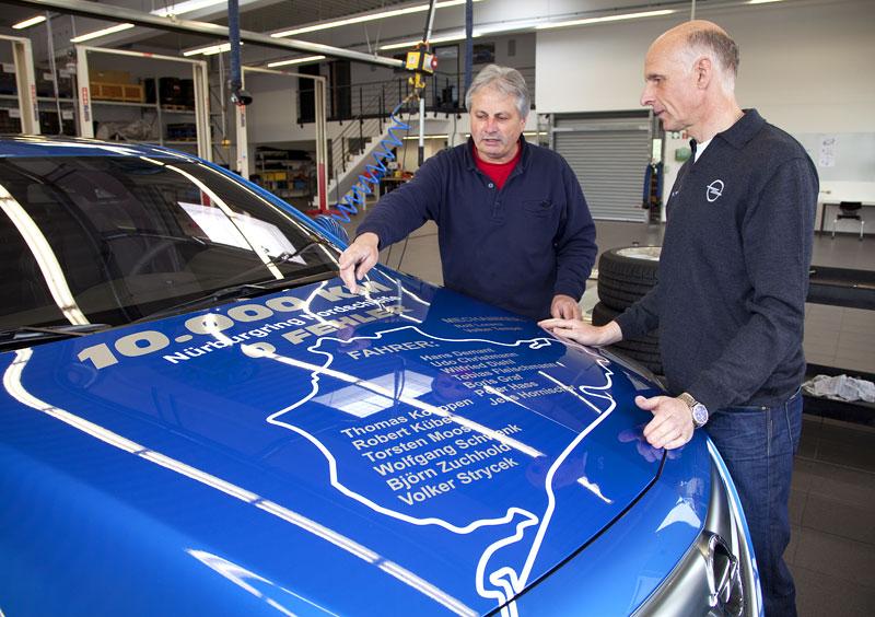 Opel Insignia Sports Tourer OPC: další upalující stěhovák: - fotka 10