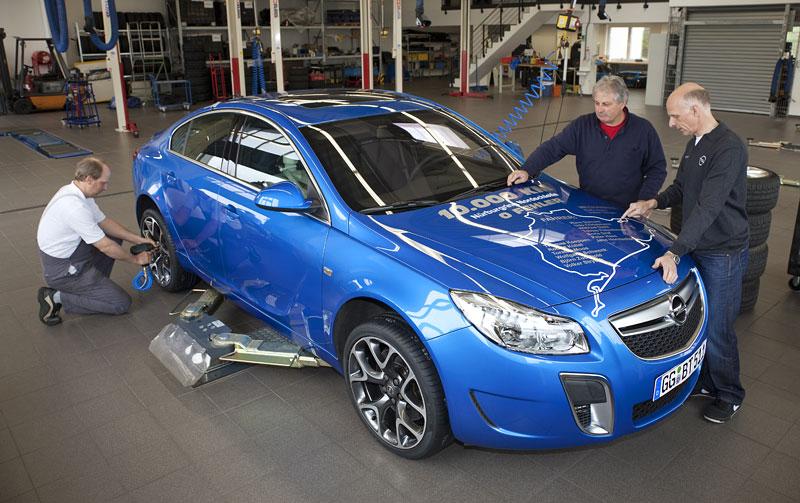 Opel Insignia Sports Tourer OPC: další upalující stěhovák: - fotka 11