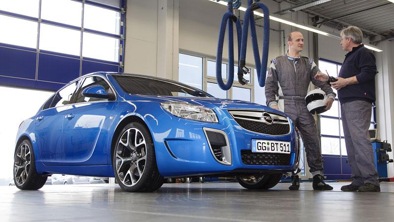 Opel Insignia Sports Tourer OPC: další upalující stěhovák: - fotka 12