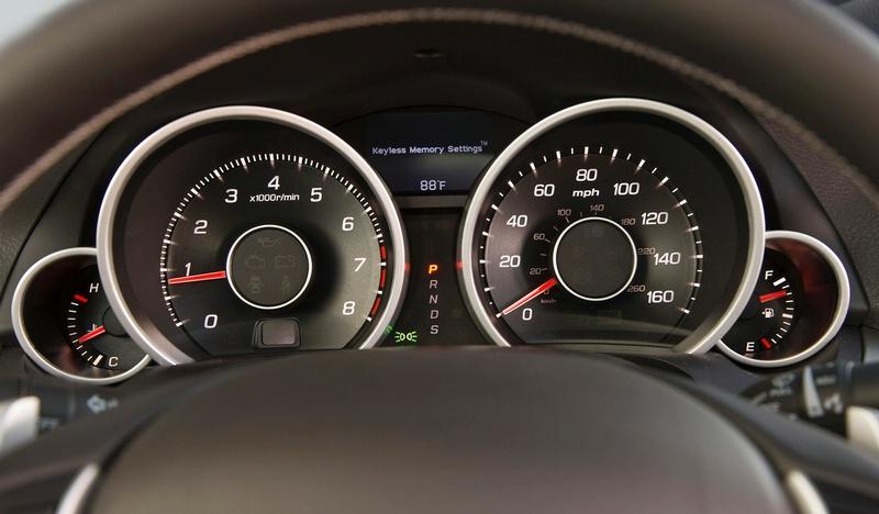 Acura TL - sportovní sedan jako břitva: - fotka 1