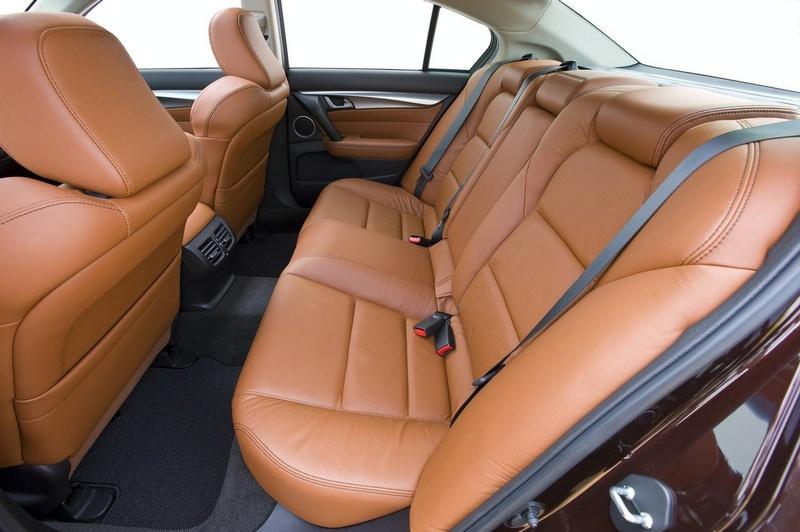 Acura TL - sportovní sedan jako břitva: - fotka 6