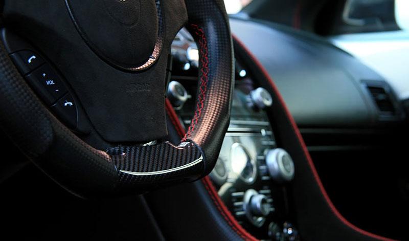 Aston Martin DBS od Anderson Germany: hra s barvičkami: - fotka 2