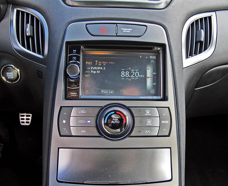 Test: Hyundai Genesis Coupe: Drift King: - fotka 10
