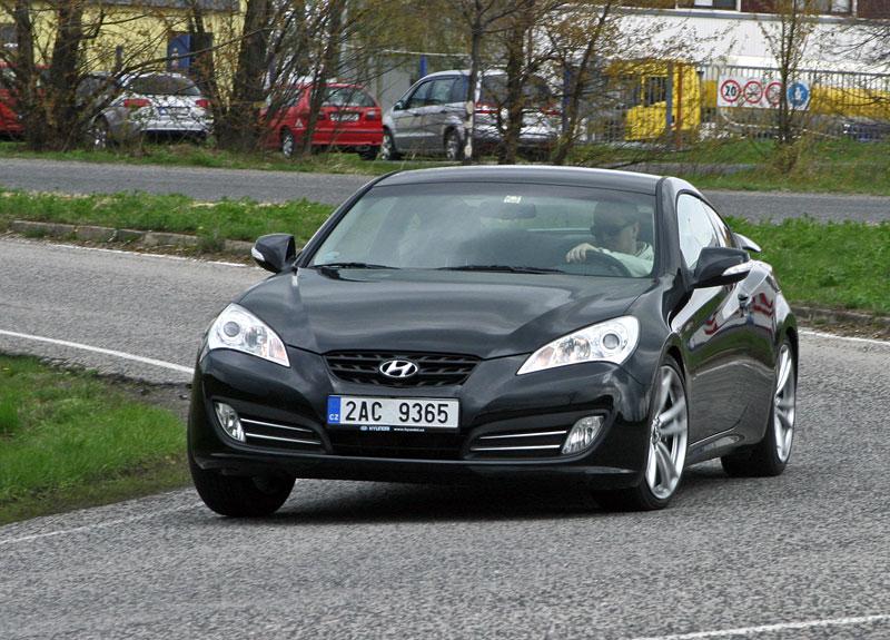Test: Hyundai Genesis Coupe: Drift King: - fotka 25