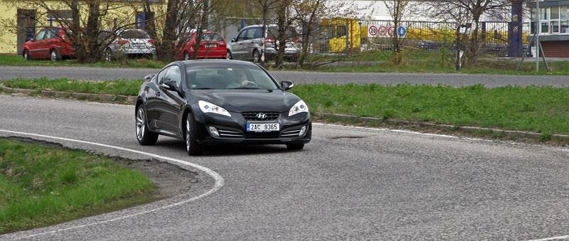 Test: Hyundai Genesis Coupe: Drift King: - fotka 26