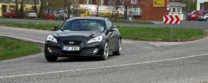 Test: Hyundai Genesis Coupe: Drift King: - fotka 28