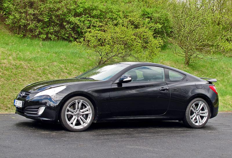 Test: Hyundai Genesis Coupe: Drift King: - fotka 34