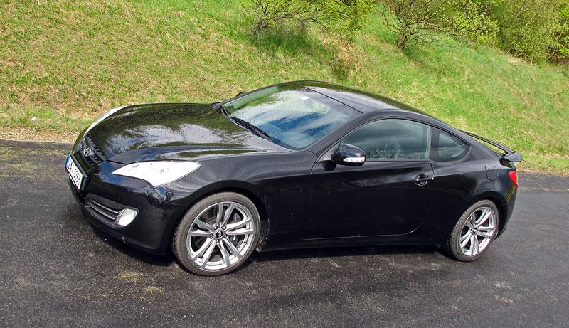Test: Hyundai Genesis Coupe: Drift King: - fotka 35