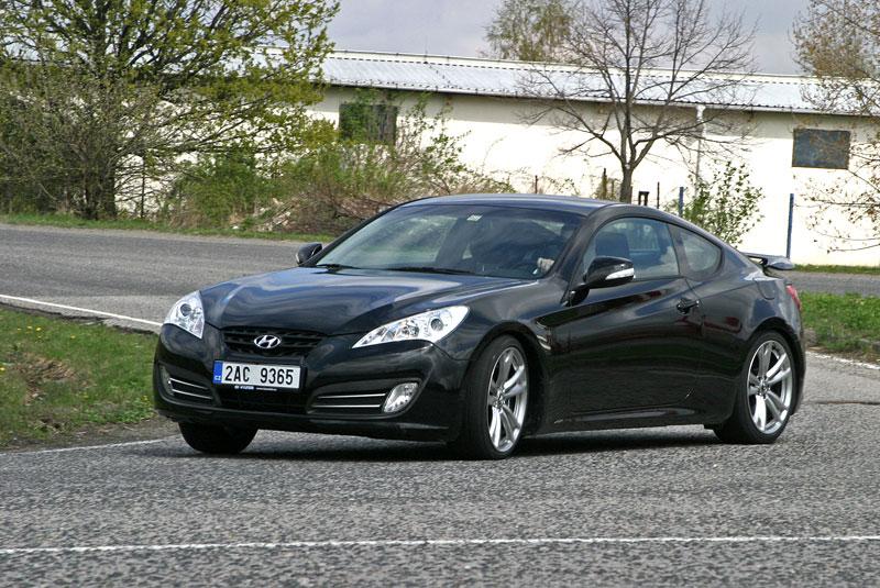Test: Hyundai Genesis Coupe: Drift King: - fotka 41