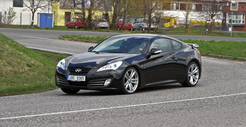 Test: Hyundai Genesis Coupe: Drift King: - fotka 43